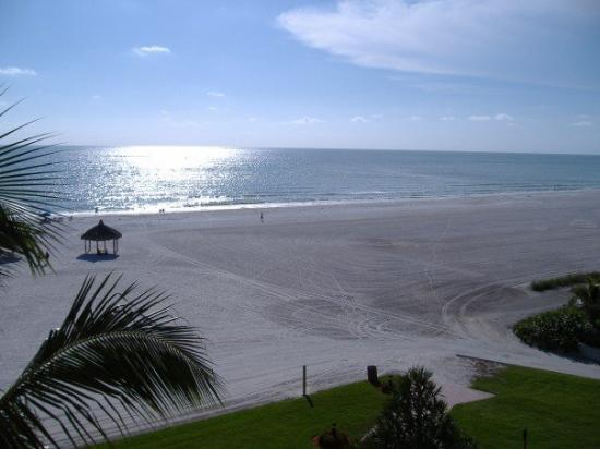 Marco Island, FL: Sun settling down