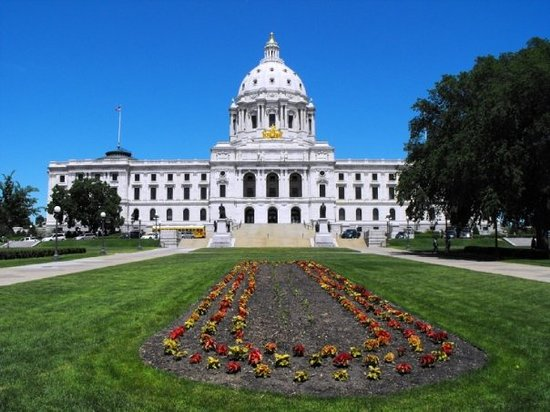 "Minnesota State Capitol: ""A beautiful day in the state's capital"""