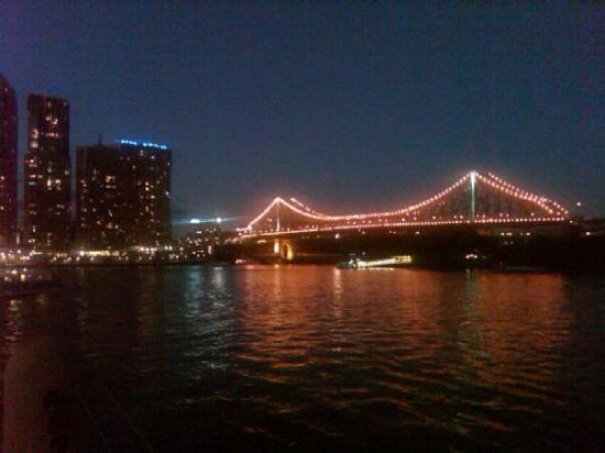 The Story Bridge at night.