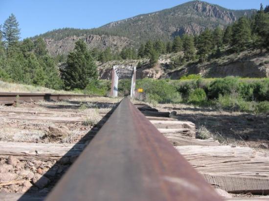 เบรกเคนริจด์, โคโลราโด: Train track and bridge over the Rio Grande