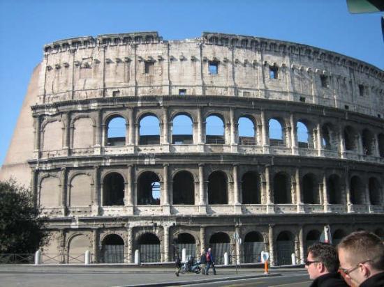 โคลอสเซียม: the coliseum
