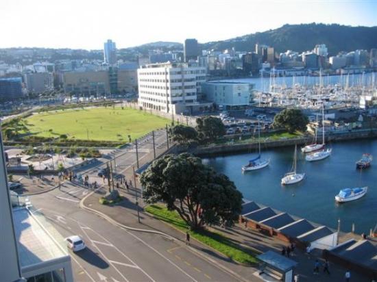 พิพิธภัณฑ์นิวซ๊แลนด์: View from our room, looking down on Te Papa