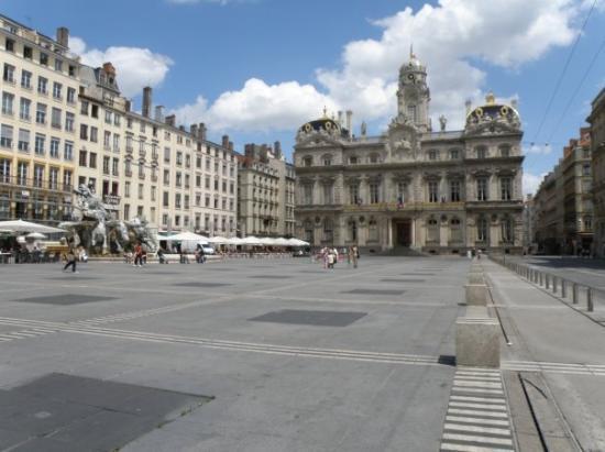 ลียง, ฝรั่งเศส: Place des terreaux
