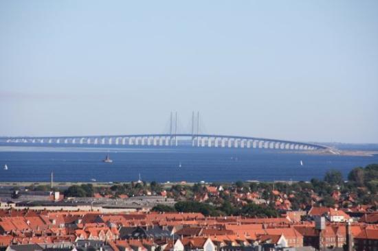โคเปนเฮเกน, เดนมาร์ก: diese Brücke verbindet Dänemark und Schweden