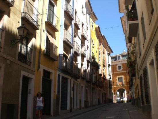 เควงคา, สเปน: Angelines junto a casas en el centro