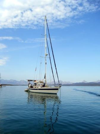 Loreto Bay National Marine Park: Another shot of the boat, what can I say...love boats.