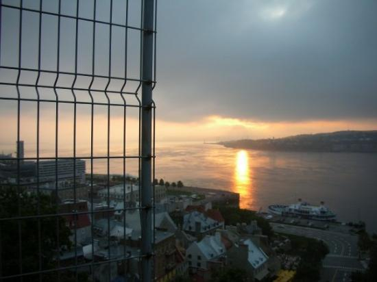 ควิเบกซิตี, แคนาดา: Morning Glory....what a sunrise