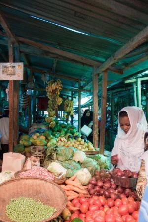 แซนซิบาร์, แทนซาเนีย: ...ancora in giro per il mercato...
