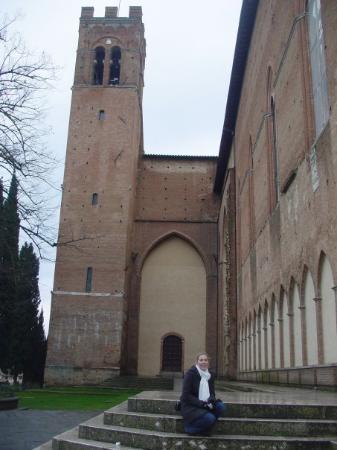 เซียนา, อิตาลี: U San Domenico