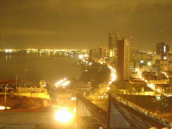 ไกวย์อากิล, เอกวาดอร์: Malecons 2000 y El Centro