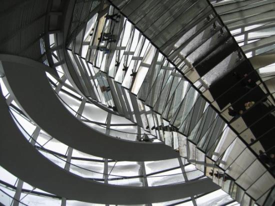 สภาผู้แทนราษฎรเยอรมัน: La cupola del Reichstag