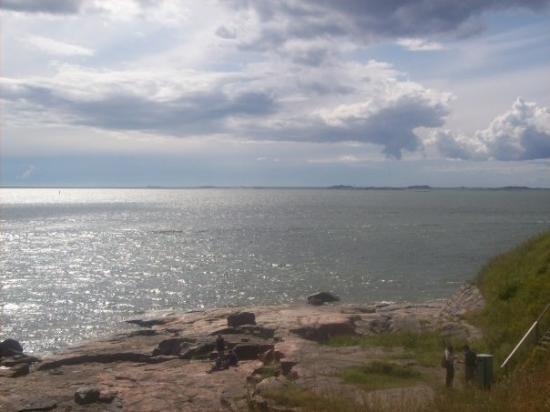 ป้อมซัวเมนลินา: La mer, encore.