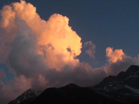 Solda, อิตาลี: Abendstimmung über dem Ortler
