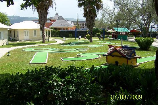 Sunscape Splash Montego Bay: Mini-golf