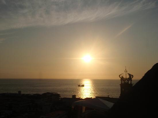 Villa Franchesca: sunset over the bay, view from the terrace