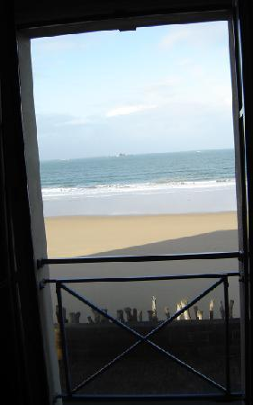 Mercure Saint Malo Front de Mer : view out the window of Hotel Mercure