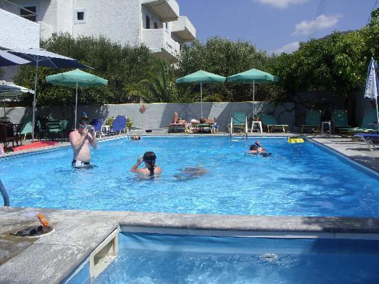 Photo of Hotel Elvira Stalís