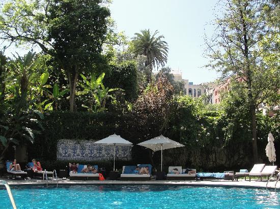 Swimming pool picture of avani avenida liberdade lisbon hotel lisbon tripadvisor for Lisbon boutique hotel swimming pool