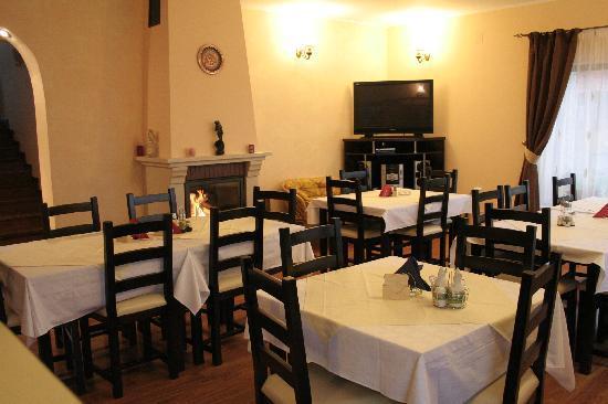 Pensiunea Andreea: Indoor Restaurant (Ground Floor of the Farm House Andreea)