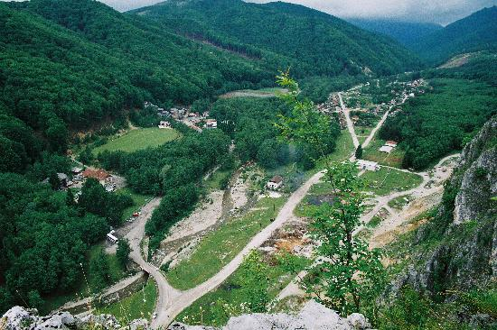 Pensiunea Andreea: Aerial Photo of the Valey where te Muierii (Womens') Cave is Located