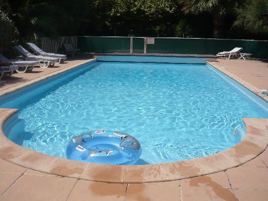 Auberge de la Calanque : la piscine ..;.