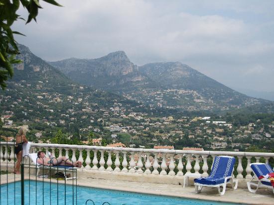 วองซ์, ฝรั่งเศส: vue de la piscine