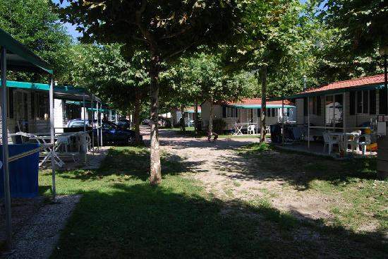 Continental Lido : quiet location on camp site