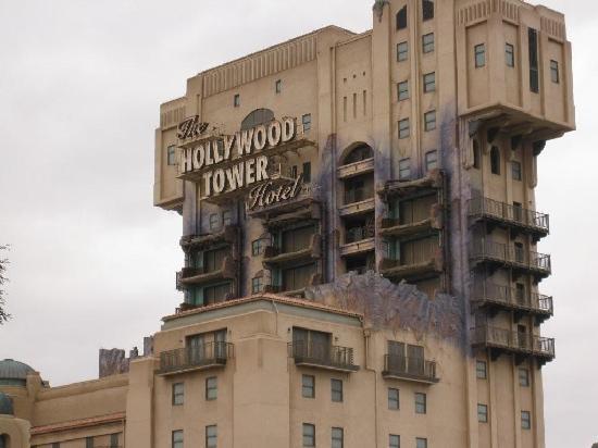ดิสนีย์แลนด์ ปาร์ค: holywood hotel ; great