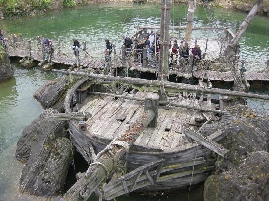 ดิสนีย์แลนด์ ปาร์ค: pirates of carribean