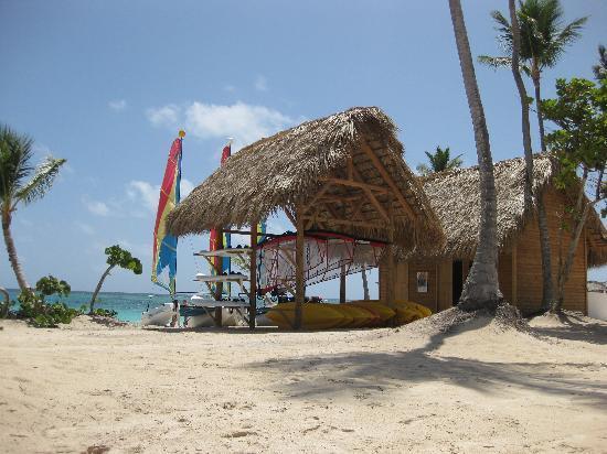 Iberostar Grand Hotel Bavaro: Free sailing, windsurfing, kayaking, etc.