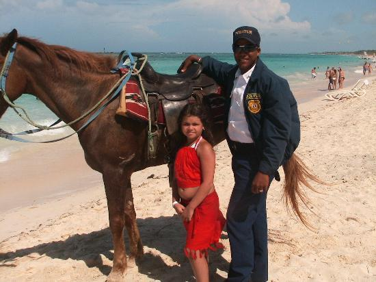 Majestic Colonial Punta Cana: thanks the police for his attention with my daugther she love the horse