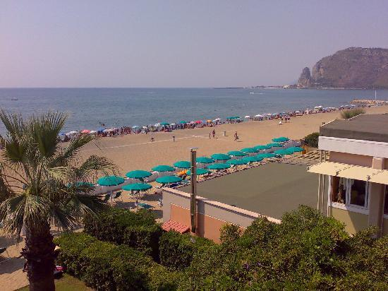 Villa Dei Principi Hotel: Beach view and Terracina from 2nd floor