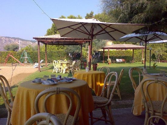 Villa Dei Principi Hotel: Hotel Garden Terrace and private beach