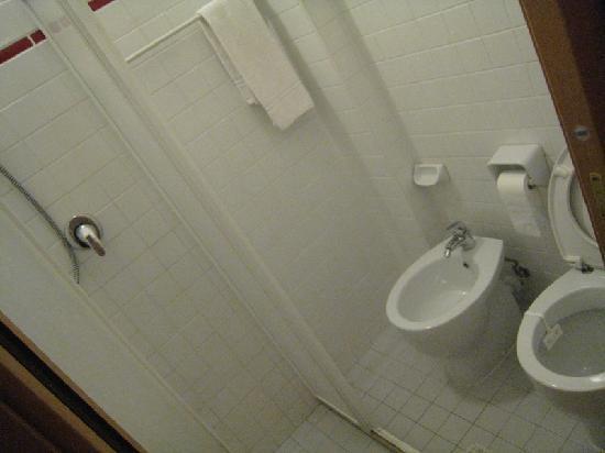 Hotel Atrium : Bathroom