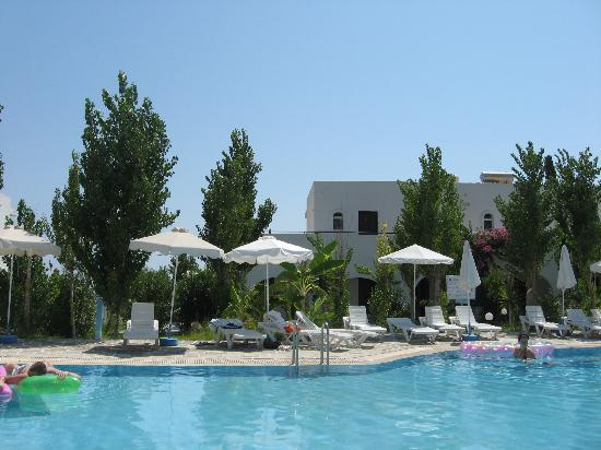 Bel Mare Hotel: The hotel from the pool
