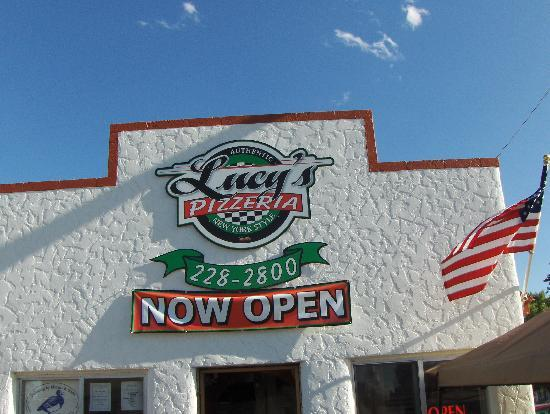 Roberts, ID: Lucy's Pizza