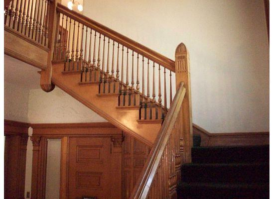 Capitol Hill Mansion Bed & Breakfast Inn: stairs