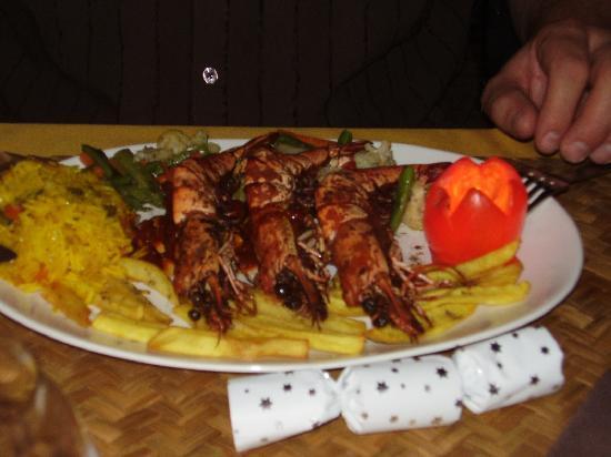 Candolim, อินเดีย: mahoosive prawns