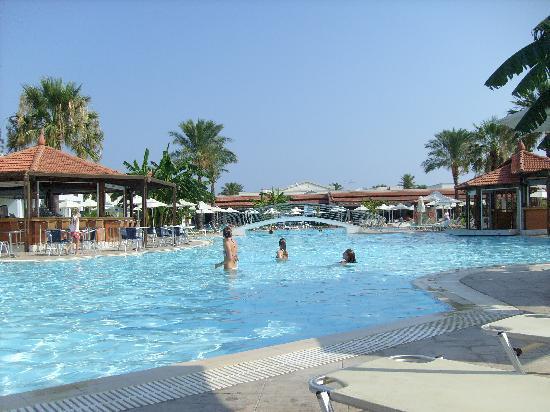 Zorbas Beach Hotel: The main pool