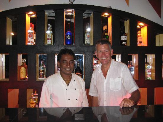 Flower Garden Hotel: Sassi's new bar