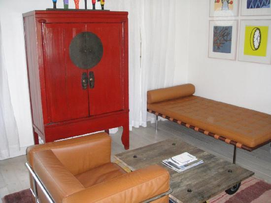 Pastis Hotel St Tropez: TV area