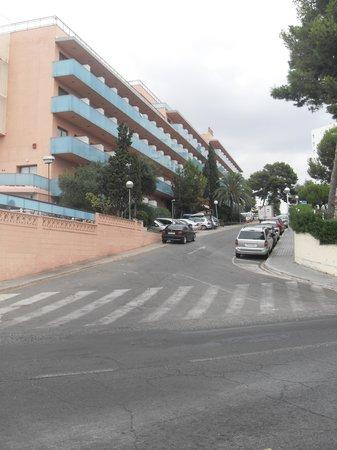 H·TOP Molinos Park: Hotel Molinos park is on a hill