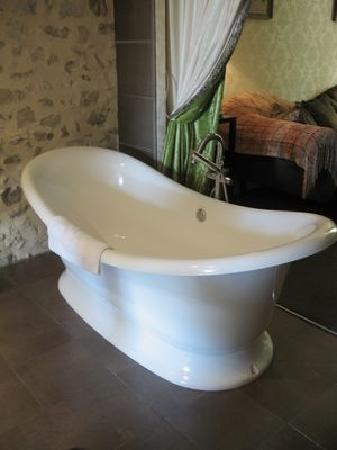 Chateau de Fere: Room 30 - Bath