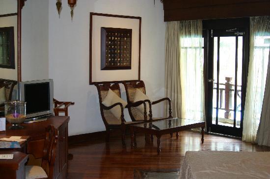โรงแรมรอยัล ปาล์ม บีช: Spacious room