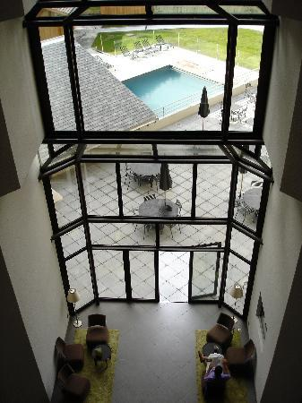 Le Refuge des Aiglons: Hotel lobby, vew from the second floor
