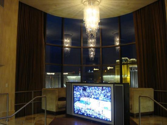 โรงแรมซีซาร์ พาเลส: gorgeous at night