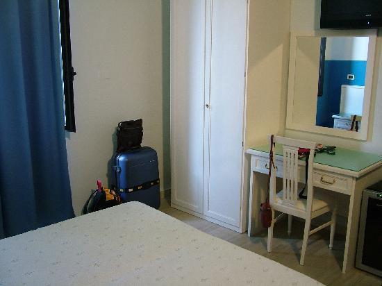 Hotel Globo & Suite Sanremo: Stanza 2