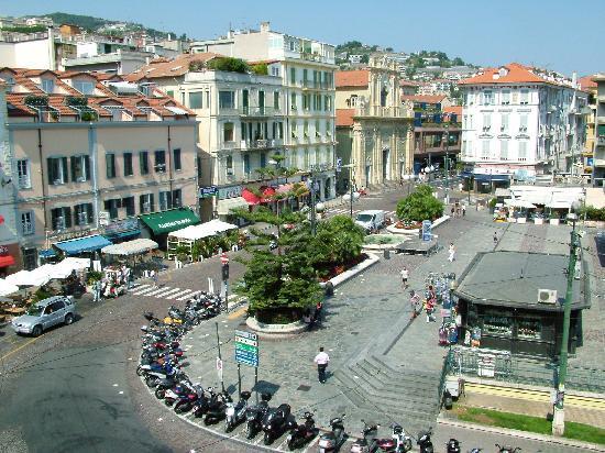 Hotel Globo & Suite Sanremo: Vista stanza 1