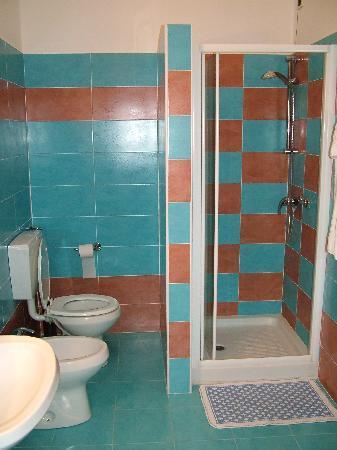 Hotel Globo & Suite Sanremo: Bagno 1