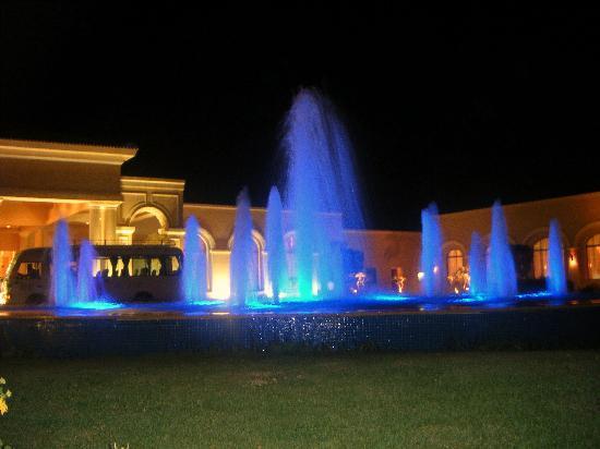 Jaz Mirabel Beach: fountains at night
